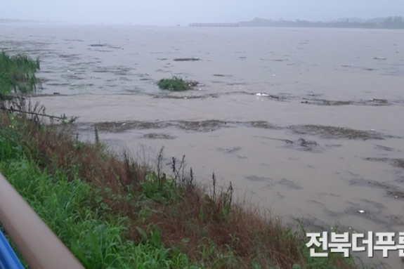 호우(豪雨)는 탐욕의 산물