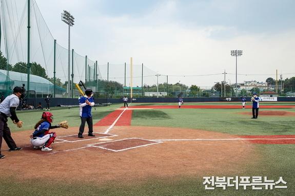 익산 여자야구단, MBC '마녀들'과 한판 승부